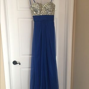 Evening dress in royal blue